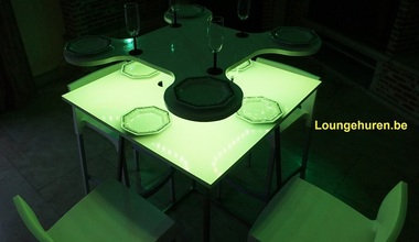 Loungehuren.be - Verlichte lounge statafel (klavertje vier)