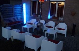 verhuur Lounge fauteuil met kussentje huren